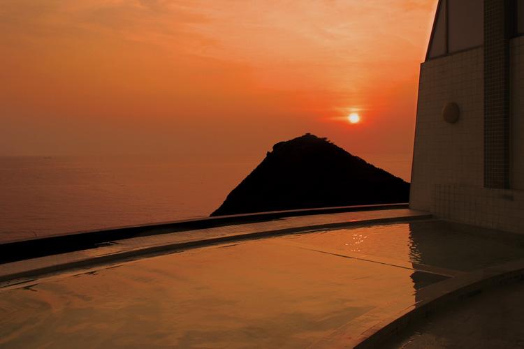 ウェスパ椿山夕焼け時の温泉